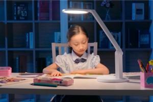 深耕台灯产业孩视宝台灯是如何成为一个家的用灯传承